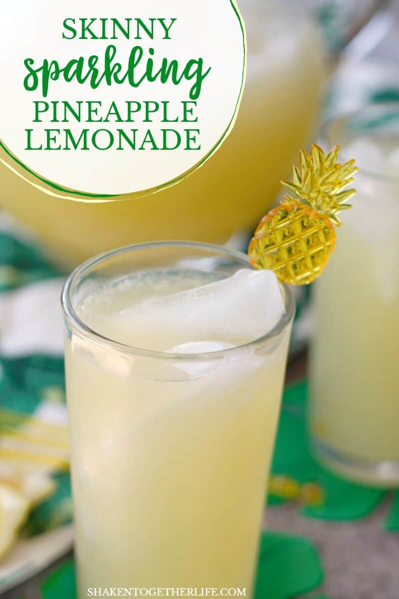 Skinny Sparkling Pineapple Lemonade Punch - 3 ingredients, 50 calories per glass and SO refreshing! This easy lemonade party punch is perfect for pool parties and warm weather get togethers!