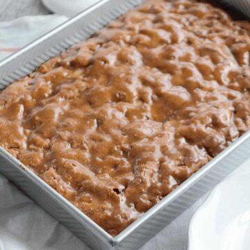cinnamon apple cake with crackle glaze