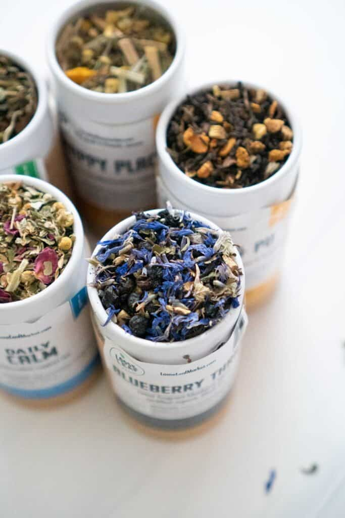five cartons of loose leaf tea from loose leaf tea market