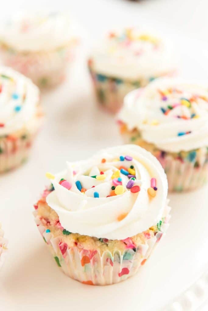 funfetti cupcakes with sprinkles
